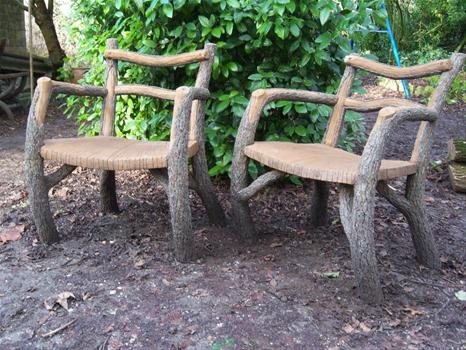 Rusticages faux bois vraies oeuvres d art tous les for Banc de jardin en ciment