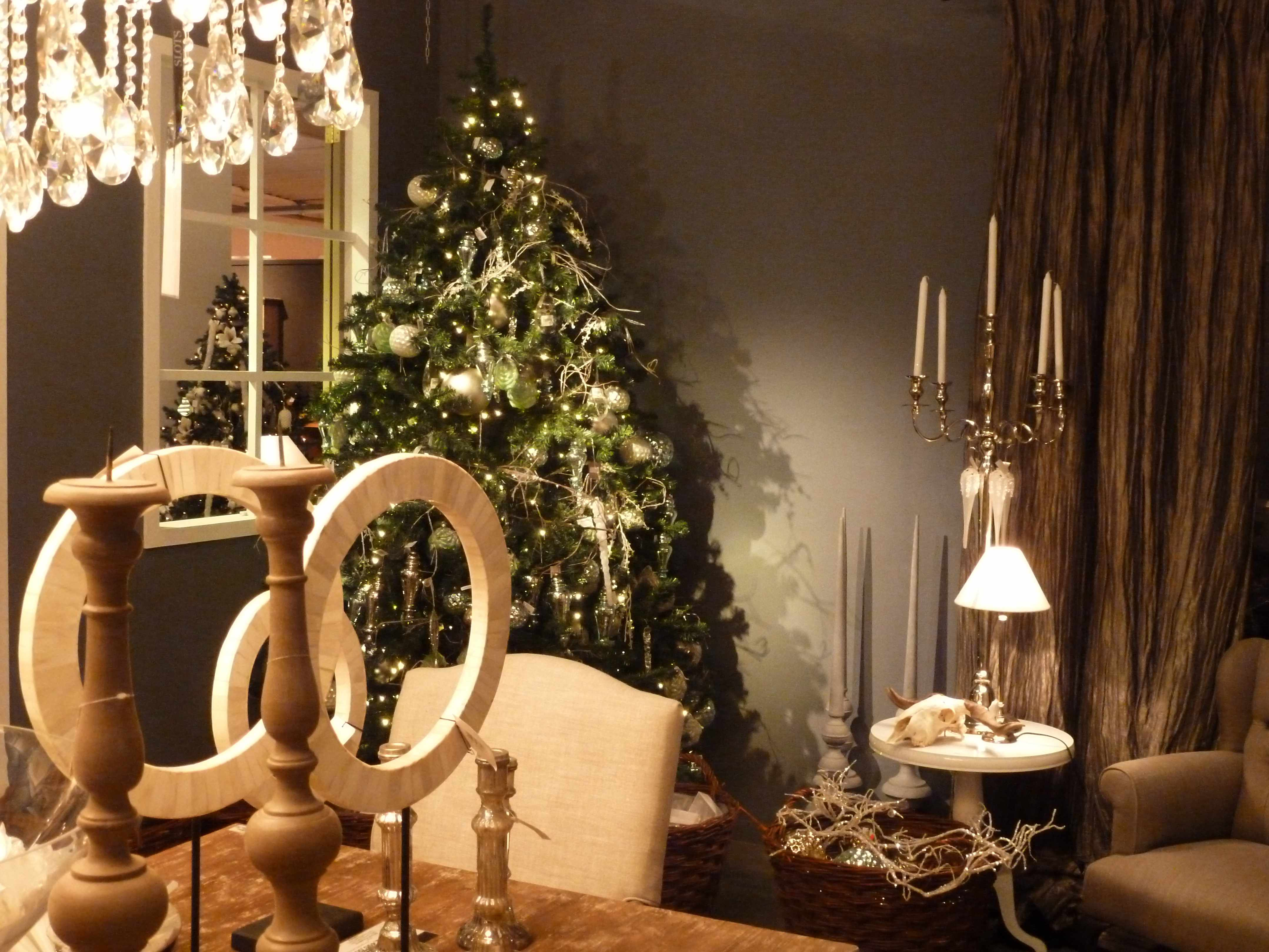 #B18D1A 301 Moved Permanently 5353 decorations de noel bruxelles 4315x3240 px @ aertt.com