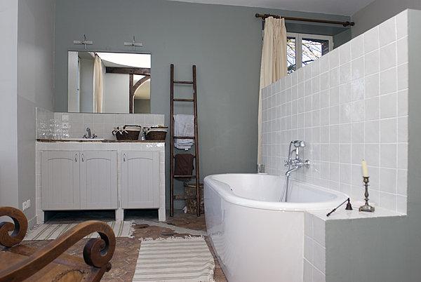 Demi cloison entre chambre et salle de bain maison com - Salle de bain en siporex ...