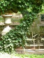 Paris-fontaine-Medicis-Vase-Luxembourg-2014