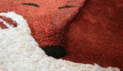 tilky-tapis-fait-main-eucalyptus-roux-decoration-enfant-design-Tilky-Little-Cabari-qualite-renard-brun
